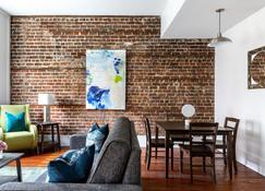 Stay Alfred on Broughton Street - Savannah - Wohnzimmer