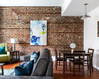 Stay Alfred on Broughton Street - Savannah