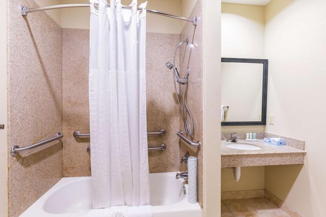 Comfort Suites Beaumont - Beaumont - Phòng tắm