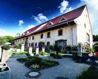 Hotel Gaststätte Rainhof Scheune - Kirchzarten - Gebäude