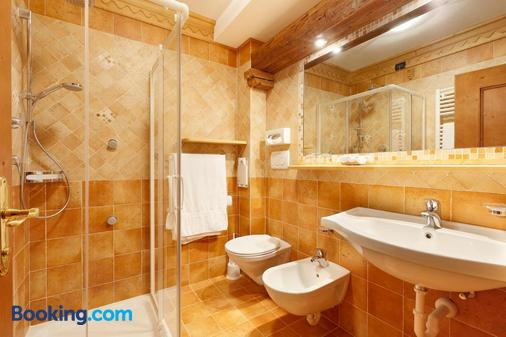 哥倫比亞酒店 - 柯提納安培佐 - 科爾蒂納丹佩佐 - 浴室