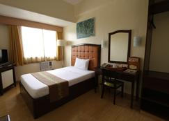 Eon Centennial Plaza Hotel - Iloilo City - Bedroom