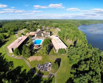 Salt Fork Lodge and Conference Center - Cambridge - Outdoors view