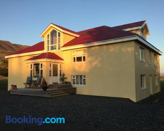 Frostastaðir guesthouse - Varmahlid - Building