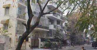 BnB Chrysalis - New Delhi