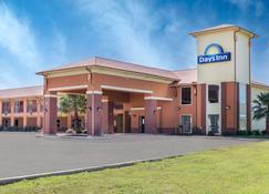 Days Inn by Wyndham Dilley - Dilley - Building