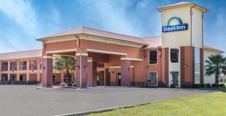Days Inn by Wyndham Dilley - Dilley - Edificio