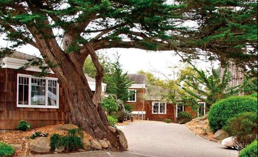 Lighthouse Lodge And Cottages - Pacific Grove - Building