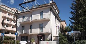 阿肯基盧酒店 - 里米尼 - 里米尼 - 建築