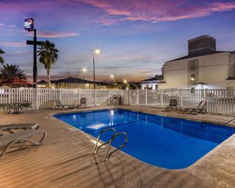 Sleep Inn & Suites by Choice Hotels - Kingsland - Bazén