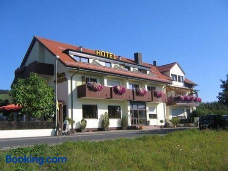 Kaiser´s Weinland Hotel - Hammelburg - Building