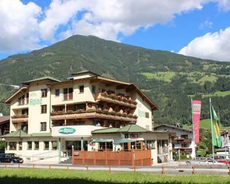 Hotel Alpina - Ried im Zillertal - Gebouw