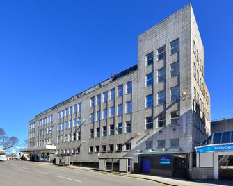Travelodge Aberdeen Central - Aberdeen - Building