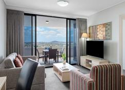 Oaks Brisbane Aurora Suites - Brisbane - Salon