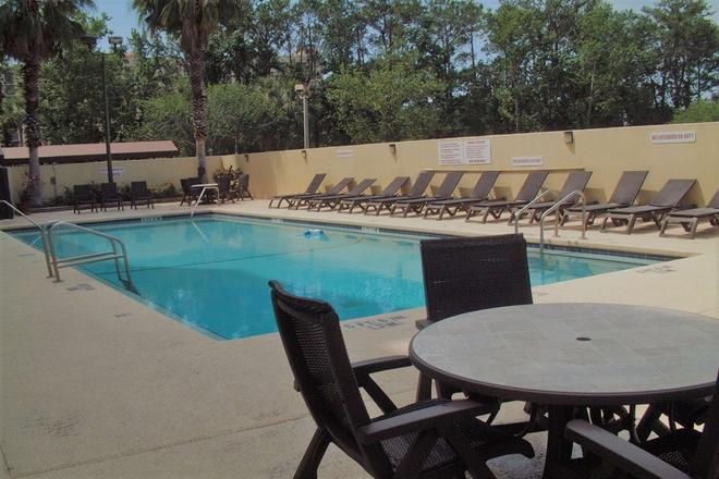 Wyndham Garden Jacksonville - Jacksonville - Pool