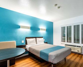 Motel 6-Fountain Valley, Ca - Huntington Beach Area - Fountain Valley - Schlafzimmer