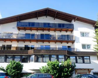 Abenteuerhotel Astoria - Nauders - Building