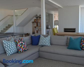 Villa Mare Nostrum - Keurboomstrand - Living room