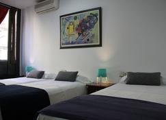 Hostal Lk Barcelona - Barcelona - Bedroom