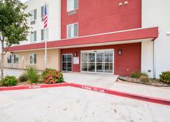Motel 6 Laredo Airport - Laredo - Rakennus