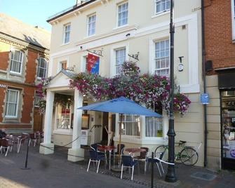 The Red Lion Hotel - Spalding