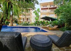 Boracay Amor Apartment - Boracay - Piscine