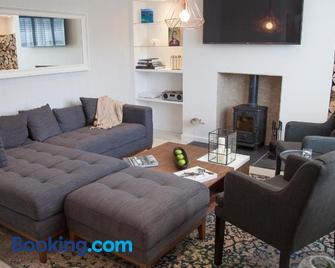Albero Apartment - Eyemouth - Living room