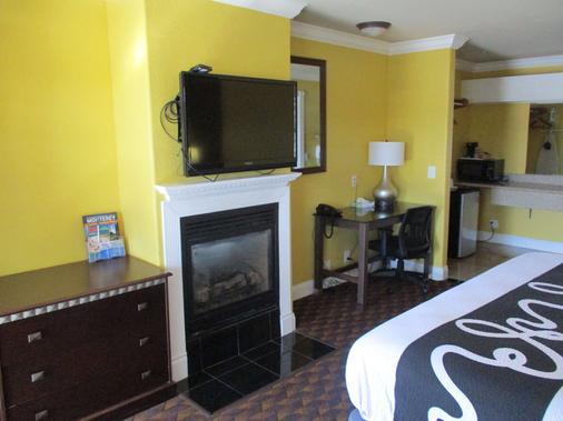 SureStay Hotel by Best Western Seaside Monterey - Seaside - Makuuhuone