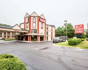 Econo Lodge South - Garner - Building