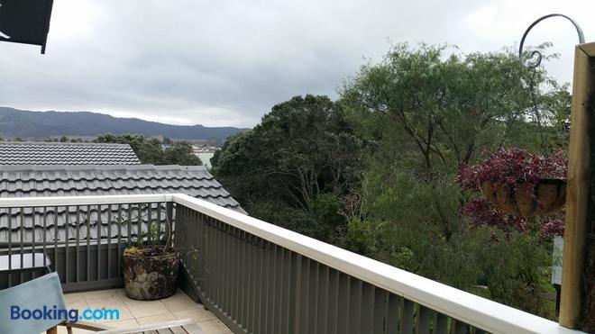 Mooring Lane Lodge - Whitianga - Balcony