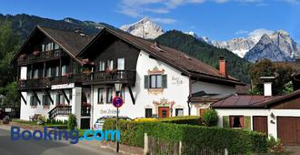 Bed and Breakfast Hotel Garni Trifthof - Garmisch-Partenkirchen - Building