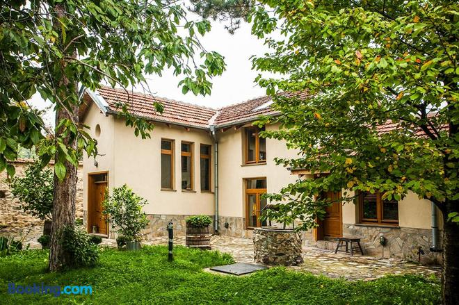 Guest House Podkovite - Karlovo - Building