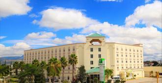 Holiday Inn Leon-Convention Center - León - Edifício