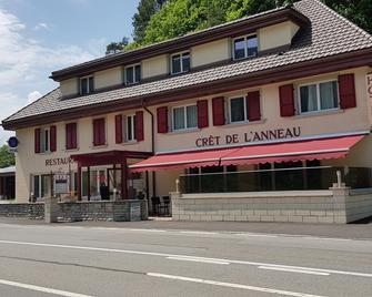 Hôtel - Grill Crêt de l'Anneau - Val-de-Travers - Building
