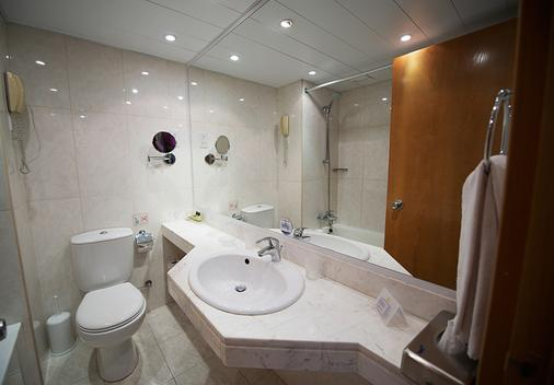 Adams Beach Hotel - Ayia Napa - Bathroom