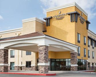 Country Inn & Suites by Radisson, Dixon, CA - Dixon - Building