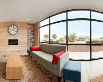 Country Inn & Suites by Radisson, Dixon, CA - Dixon - Лоббі