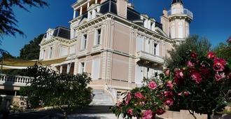 Hotel Les Tourelles - Sainte-Maxime