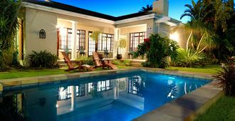 Beachwalk Bed & Breakfast - Port Elizabeth - Uima-allas