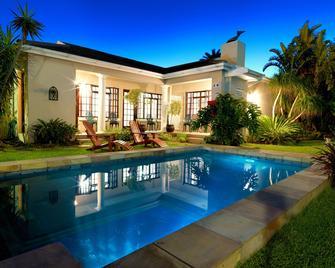 Beachwalk Bed & Breakfast - Port Elizabeth - Bể bơi