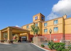 Sleep Inn & Suites Ocala - Belleview - Ocala - Building