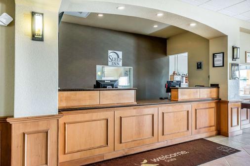 Sleep Inn & Suites Ocala - Belleview - Ocala - Front desk