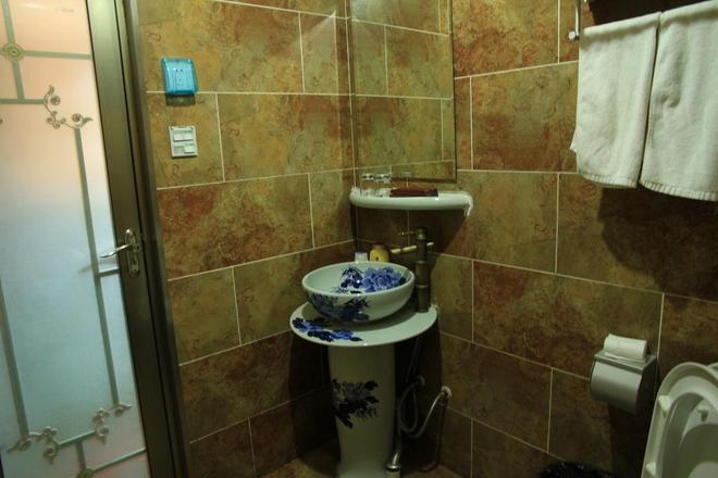 Pingyao Yongqingzhai Hotel - Pingyao - Bathroom