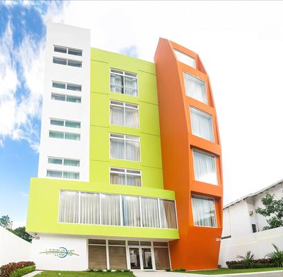 Hotel Latitud 15 - San Pedro Sula - Building