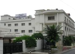 La Place Sarovar Portico, Lucknow - Lucknow - Κτίριο