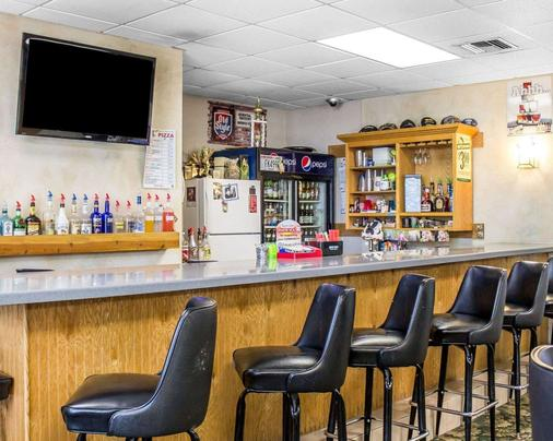 Quality Inn - Mauston - Bar