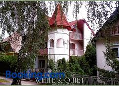 White Quiet Apartment - Hévíz - Building