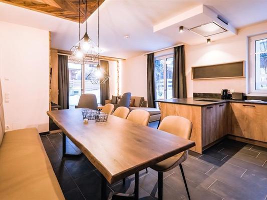 24 by Avenida Hotel & Residences - Kaprun - Comedor