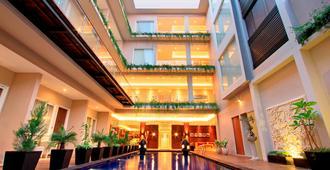 Ohana Hotel Kuta - Kuta - Ingresso