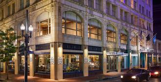 Renaissance New Orleans Pere Marquette French Quarter Area Hotel - New Orleans - Building